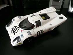 AutoArt 1:18 Diecast Model  Porsche 917K Salzburg Brands Hatch in 1970
